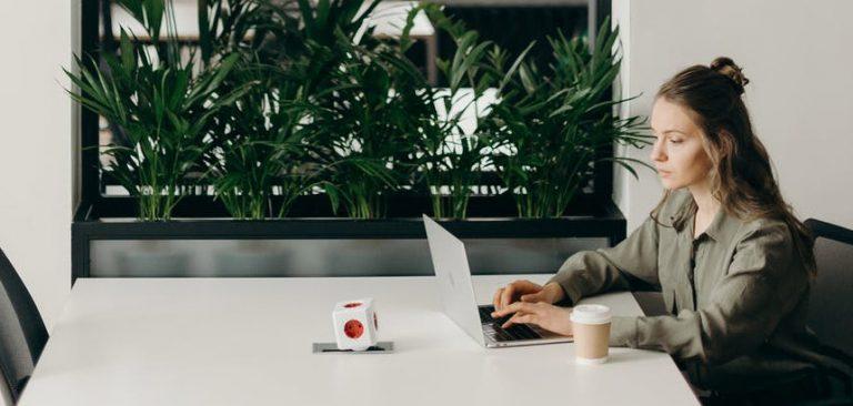 Mail de relance : 7 exemples pour relancer les professionnels